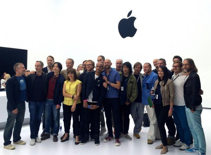 アップルのインダストリアル・デザイン・チームが勢揃いした写真